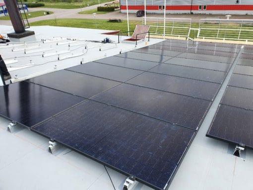 installation-solar-panels-flat-PVC-roof