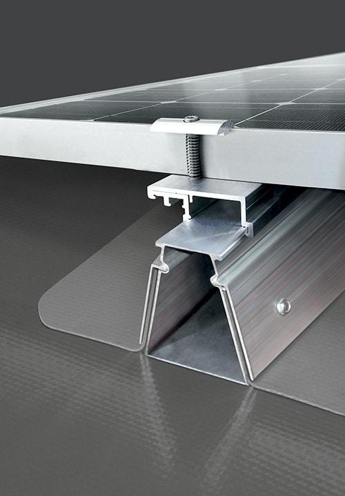 Fixation-panneaux-photovoltaiques-Roof-solar-pvc