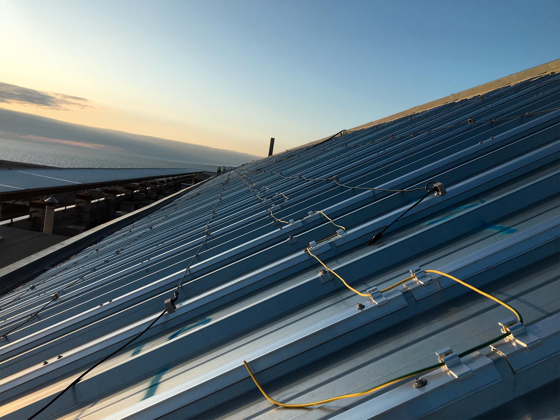 panneaux solaires sur toits pentus