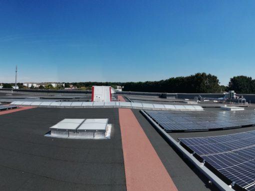 toiture-photovoltaïque-grande-surface