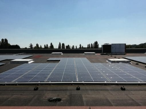 toit-terrasse-photovoltaïque-supermarché