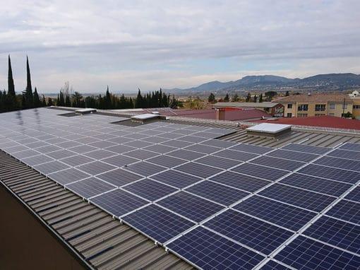 Panneaux_photovoltaiques_toiture_usine