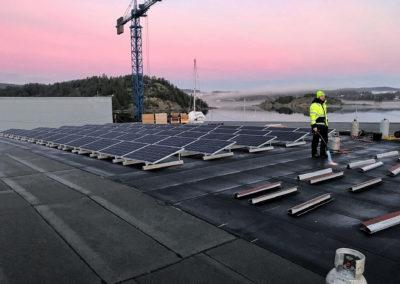 Ett svenskt varv förses med solcellspaneler
