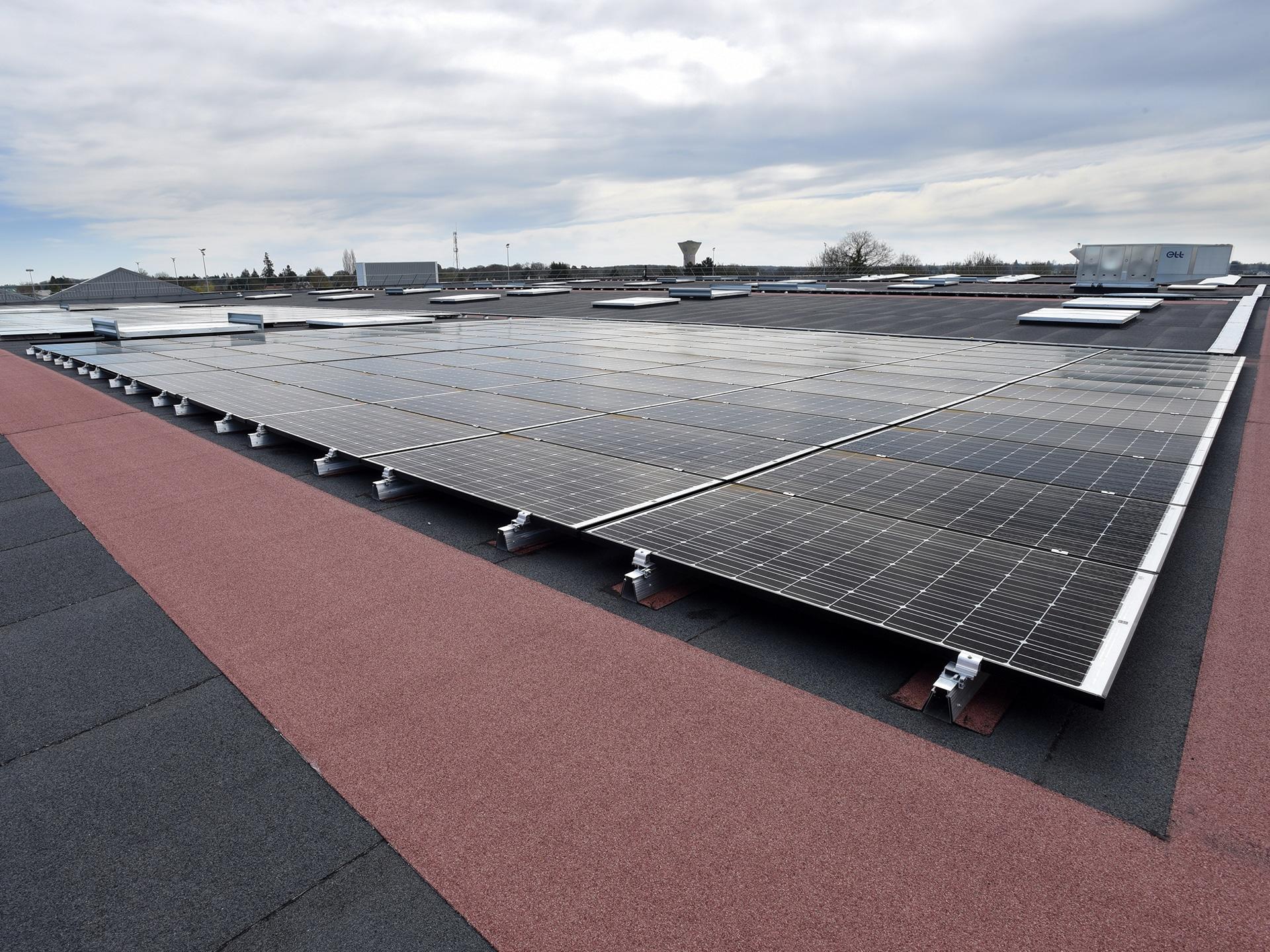 ROOF-SOLAR BITUME 600, le 1er Avis Technique en France pour toitures-terrasses sur Tôles d'Acier Nervurées (TAN)