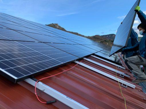 pose-panneaux-solaires-photovoltaïques-toit-bac-acier
