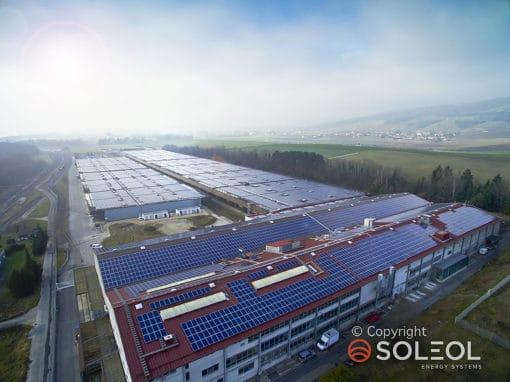 dome-solar-sur-la-plus-grande-centrale-solaire-suisse