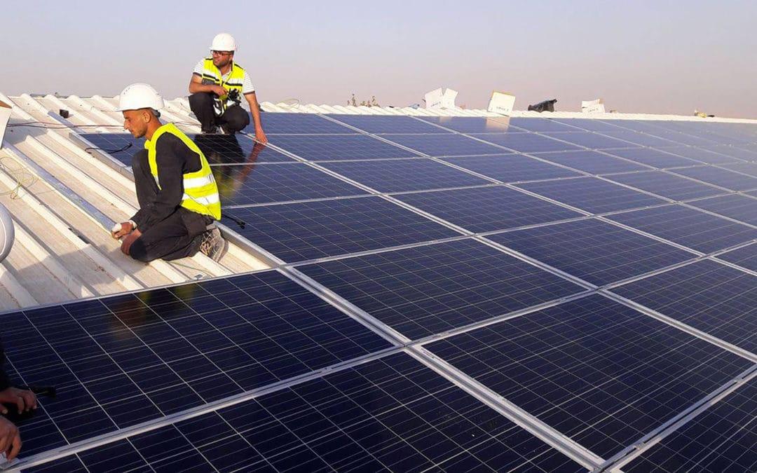 Toiture photovoltaïque d'un poulailler en Palestine