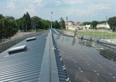 Photovoltaic installation on a gymnasium