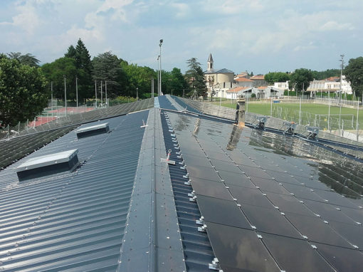 fixations-panneaux-photovolatique-toiture-gymnase-salindres