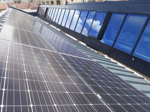 fixations-photovoltaiques-sur-les-toitures-d-un-geant-du-jeu-video