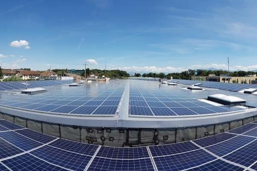 toiture-photovoltaique-centre-commercial-etoy-suisse-2
