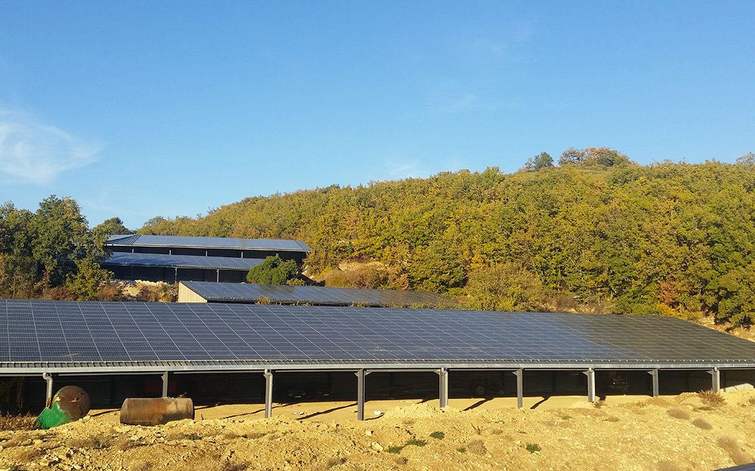 Toitures photovoltaïques d'un manège équestre